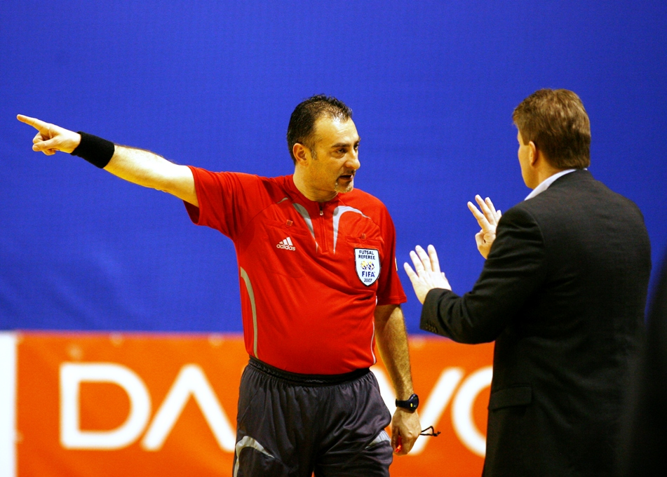 Croazia Rep Ceca 2007 arbitro Vescio